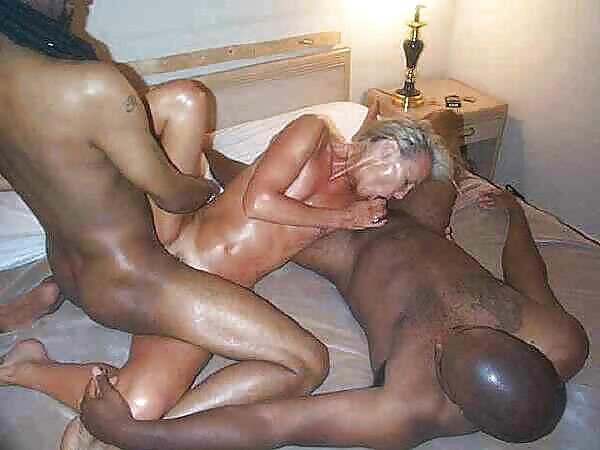 Anne Mature Blonde Milf Porn