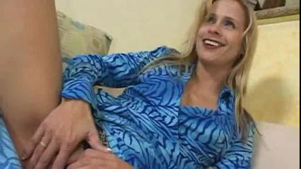 Lovely Blonde MILF Payton Leigh